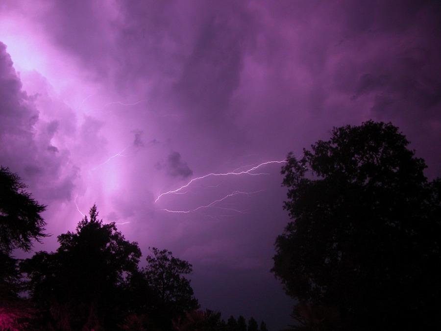 lightning-589704_960_720